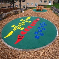 Wetpour Safety Surface in Abernant 9